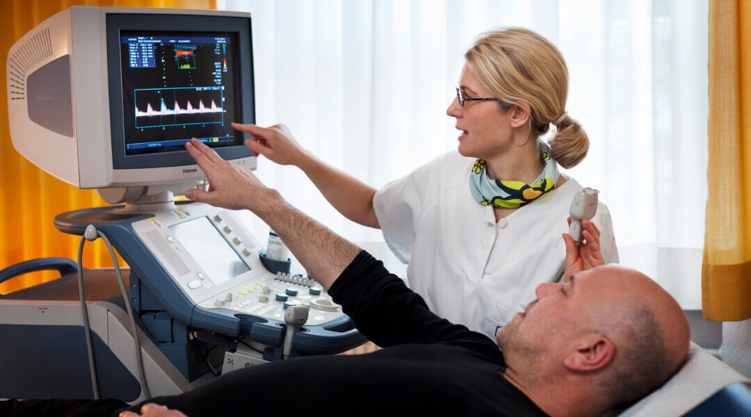 Ultraschalluntersuchung an Patient