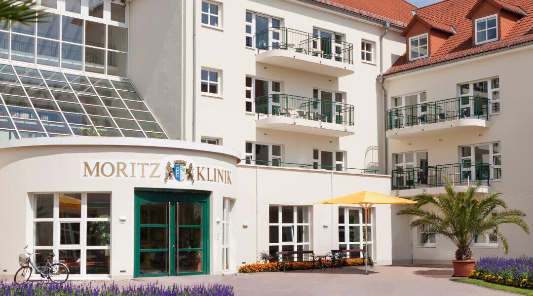 Der Haupteingang der Moritz Klinik in Bad Klosterlausnitz in Thüringen