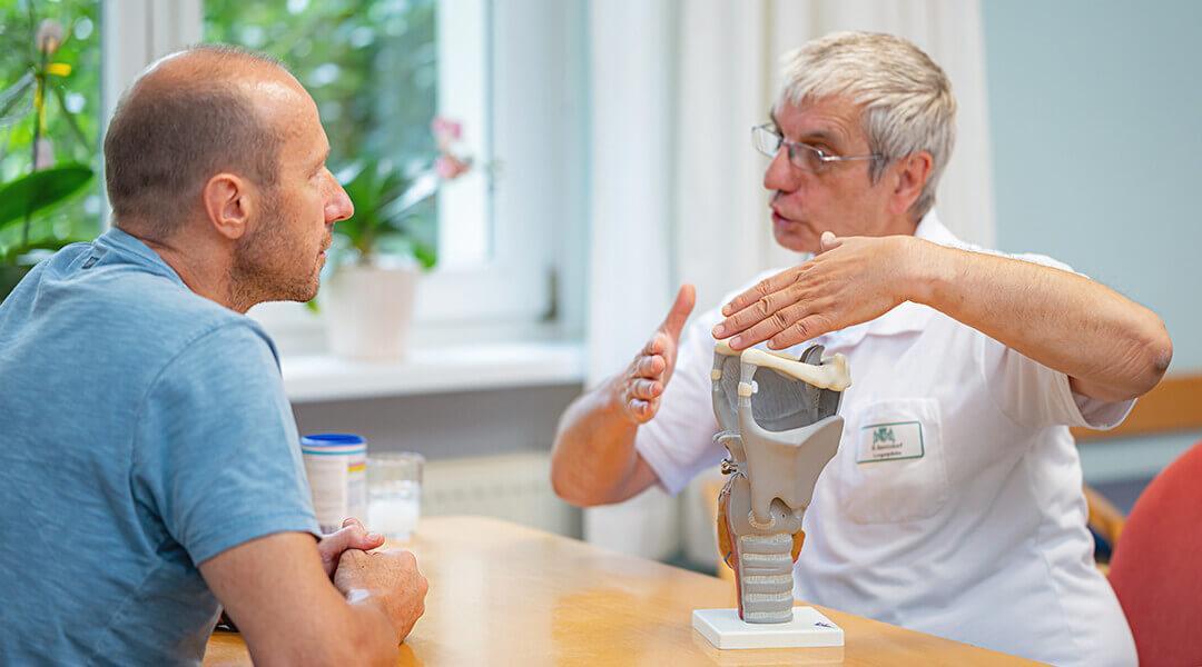 Sprachtherapie ärztliche Beratung und Unterstützung für den Patienten