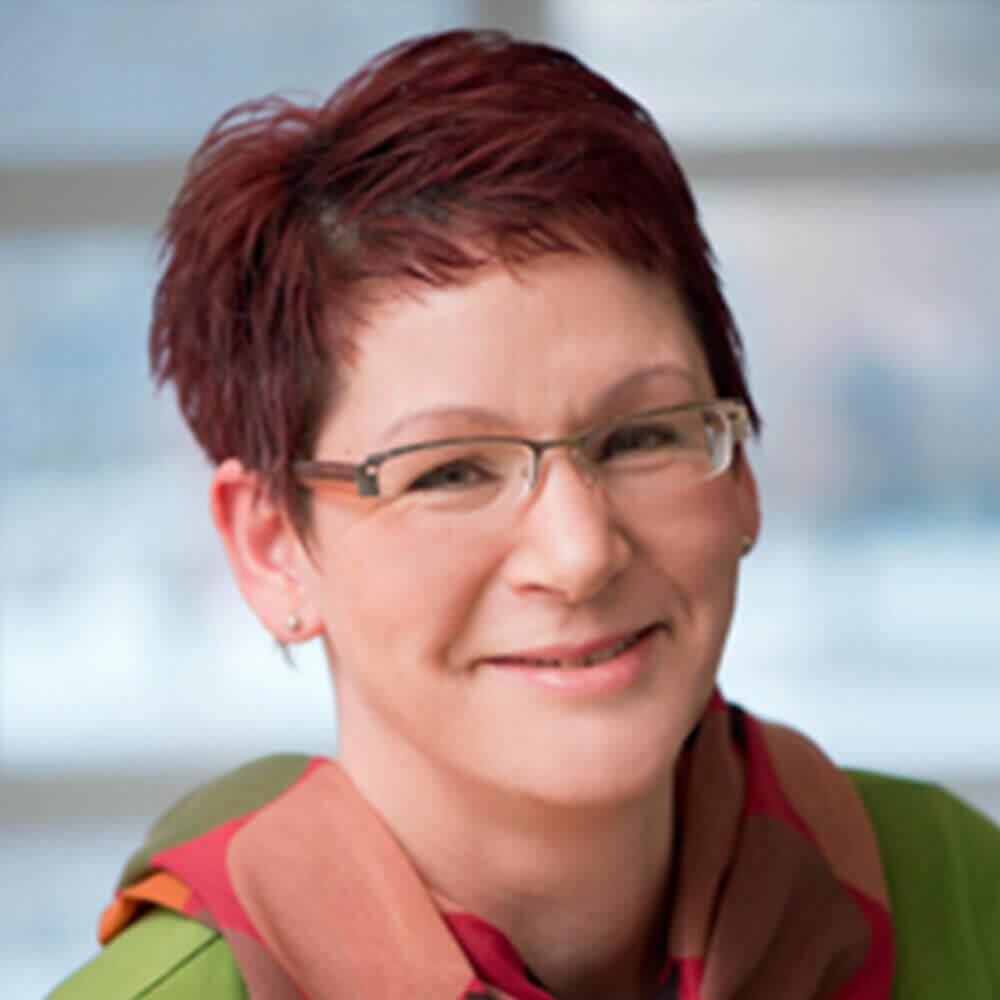 Frau Steffi Tümmler aus der Verwaltung / Patientenaufnahme